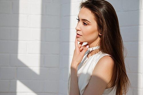 การแต่งหน้าช่วยในการปกป้องผิวจากแสงแดด เพราะมีสารกันแดดผสมอยู่