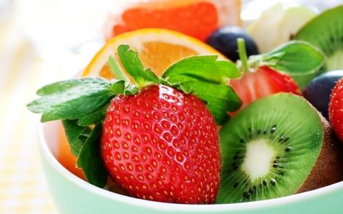 ผักผลไม้มีวิตามินซีสูงช่วยเสริมคอลลาเจน ให้ผิวขาว เนียนเด้งใส