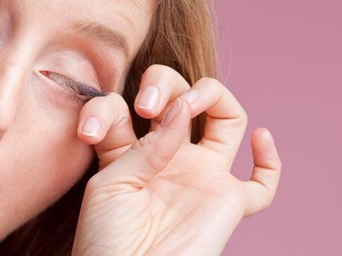อย่าขยี้ตาหากอยากถนอมดวงตา