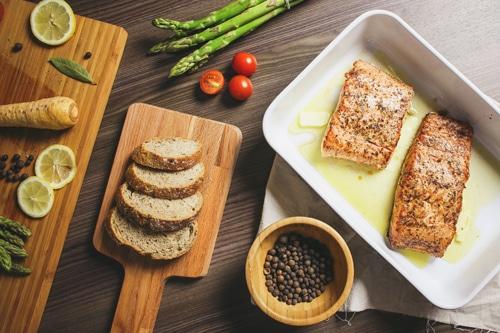 ทานโปรตีนให้ได้ครึ่งหนึ่งของมื้ออาหาร