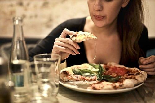 ข้อควรรู้ในการลดความอ้วนคือ ทานอาหารไม่น้อยกว่า 800 kcal ต่อวัน