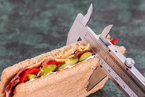 ลดความอ้วนด้วยการทานอาหารให้ครบ 5 หมู่ในปริมาณที่เหมาะสมและเพียงพอ