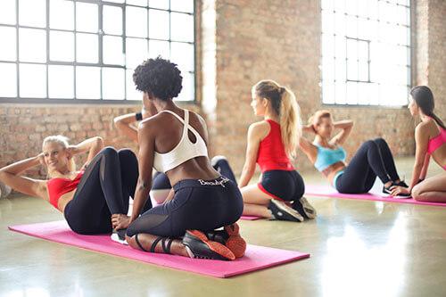 เราควรออกกำลังกายสม่ำเสมอแต่ไม่มากเกินไปเพื่อให้ร่างกายได้พักฟื้น