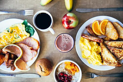 ควรทานอาหารให้ครบ 5 หมู่ เพื่อช่วยให้การลดความอ้วนได้ผลดีขึ้น