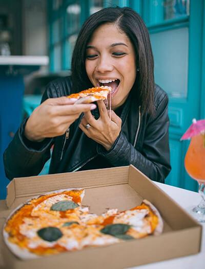 ความชะล่าใจเพราะคิดว่าอาหารเสริมลดน้ำหนักช่วยได้ ทำให้กินเยอะจนอ้วนขึ้น
