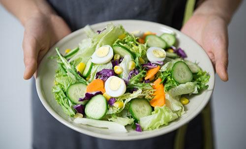 การลดน้ำหนักแบบกินผักเยอะๆแป้งน้อยๆ