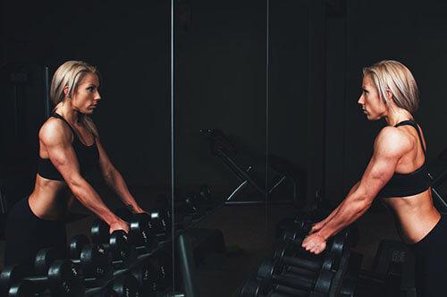 ผู้หญิงออกกำลังกายหนักก็ไม่ทำให้มีกล้ามโตได้ง่ายๆเหมือนกับผู้ชาย