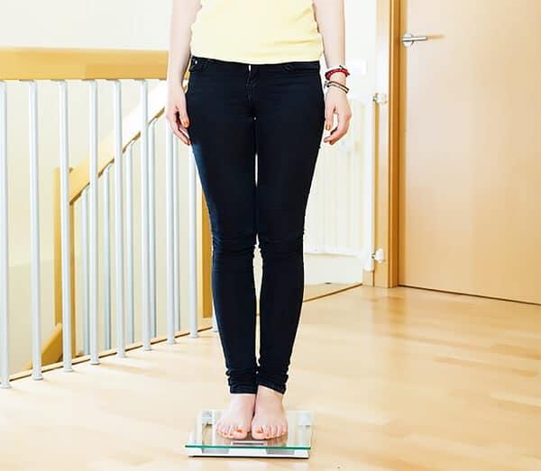 ชั่งน้ำหนักเพือควบคุมน้ำหนักและลดน้ำหนักอย่างได้ผล