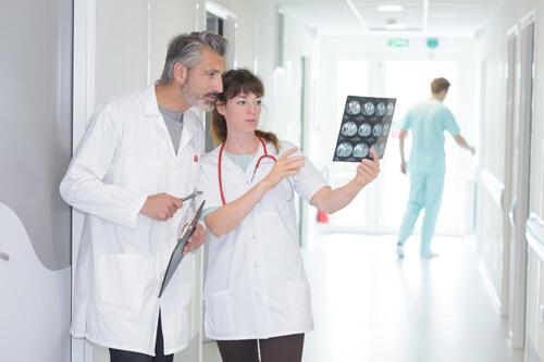 เทคโนโลยีทางการแพทย์ถูกนำมาใข้รักษามะเร็ง