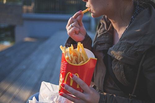 ปรับสมดุล โดยการหลีกเลี่ยงอาหารที่ทำให้ร่างกายเกิดสภาวะเป็นกรด