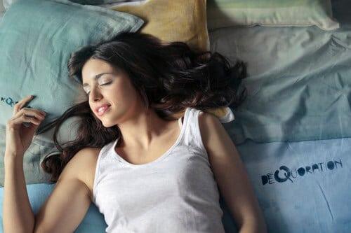 การนอนหลับพักผ่อนเป็นสิ่งสำคัญต่อสุขภาพ