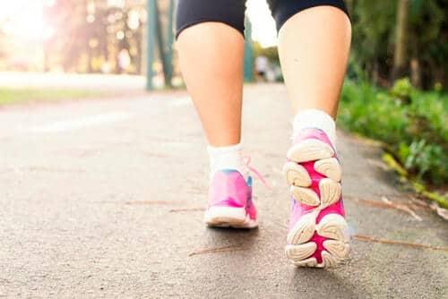 การเดินออกกำลังกายเพื่อสุขภาพ