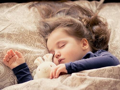 เด็กต้องการระยะเวลาในการนอนหลับมากกว่าผู้ใหญ่