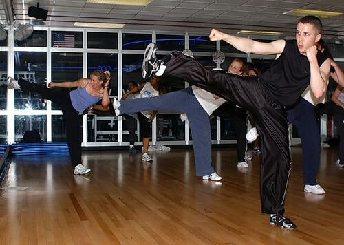 การเต้นแอโรบิค เป็นการออกกำลังกายเพื่อระบบหัวใจและหลอดเลือด