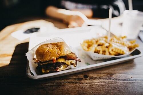 พฤติกรรมการกินแบบฝรั่งทำให้เป็นโรคเรื้อรัง