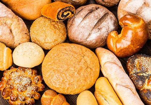 อาหารกลุ่มคาร์โบไฮเดรต พวกขนมปัง แป้ง น้ำตาล ก๋วยเตี๋ยว