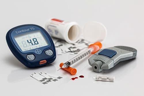หากมีประวัติสุขภาพไม่ดี ควรมีการตรวจเลือดปีละครั้ง