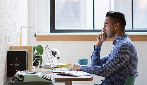 คนที่นั่งทำงานหลายชั่วโมงมีความเสี่ยงสูงที่จะเสียชีวิต