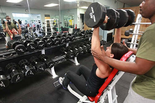 ยกน้ำหนักเป็นการออกกำลังกายแบบแอนาโรบิค