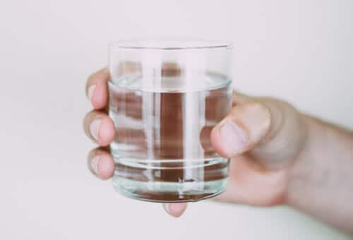 ดื่มน้ำเป็นด่าง หรือ น้ำอัลคาไลน์ เป็นประจำดีต่อสุขภาพ