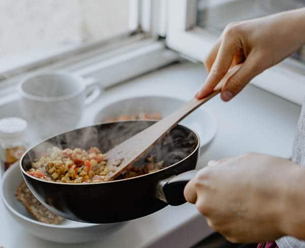 กระบวนการปรุงอาหารให้สุกด้วยการใช้ความร้อน