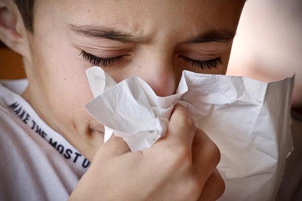 การไอจามใส่กัน ทำให้เกิดการระบาดของโรคไวรัสโคโรน่าได้