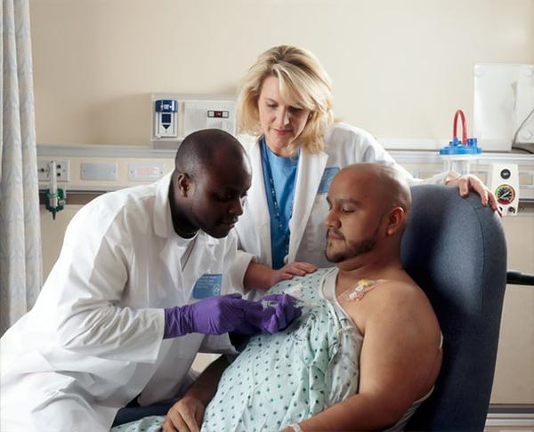 การทำคีโมให้กับผู้ป่วยมะเร็ง