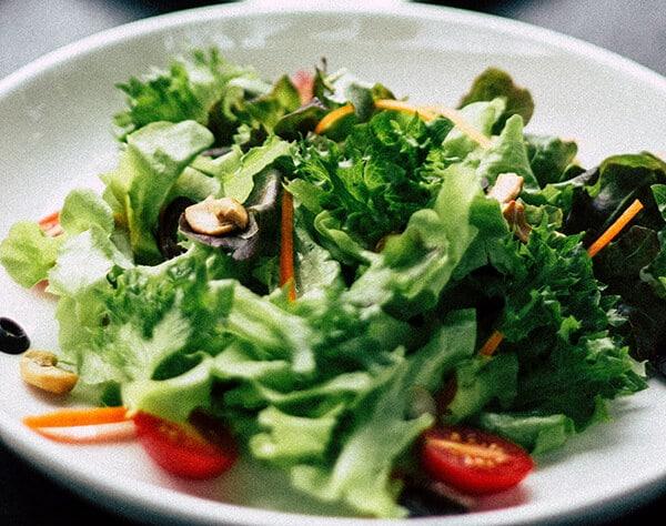 อาหารพวกผักผลไม้ ถือเป็นอาหารแบบด่าง