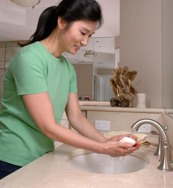 ล้างมือด้วยสบู่ทุกครั้งหลังจากที่เข้าห้องน้ำ